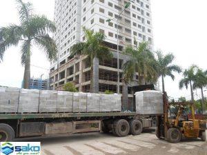 Hình ảnh vận chuyển sản phẩm gạch bê tông nhẹ aac