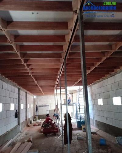 Bên trong căn nhà nuôi yến xây bằng gạch siêu nhẹ AAC