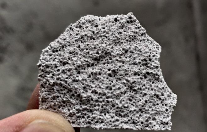 Cấu trúc bọt khí của gạch bê tông bọt