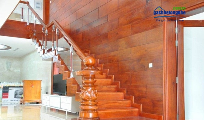 Ốp trang trí cầu thang bằng tấm xi măng giả vân gỗ