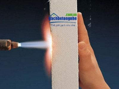 Gạch siêu nhẹ chống cháy là loại gạch chịu lửa EI 240 phút