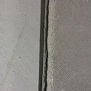 Giữa các tấm được tạo rãnh âm dương và rãnh liên kết hình V có độ sâu 1,5cm rộng 2cm
