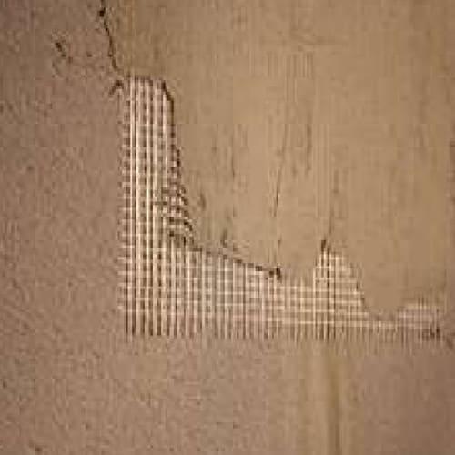 Lưới thủy tinh dán lên đạon liên kết giữa hai tấm panel light wall trước khi bả