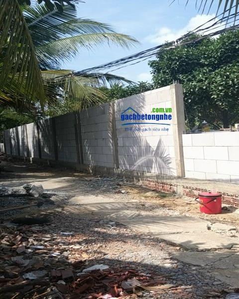 Tấm bê tông làm hàng rào