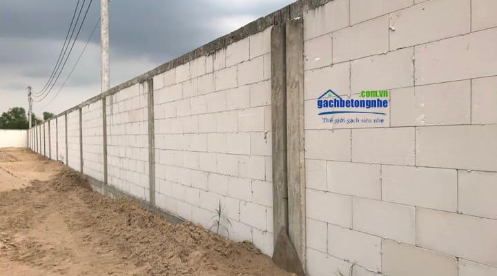 Xây tường rào bằng gạch không trát