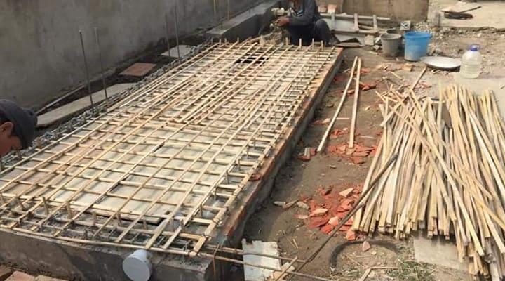 Lắp đặt lưới cốt tre thay lưới cốt thép