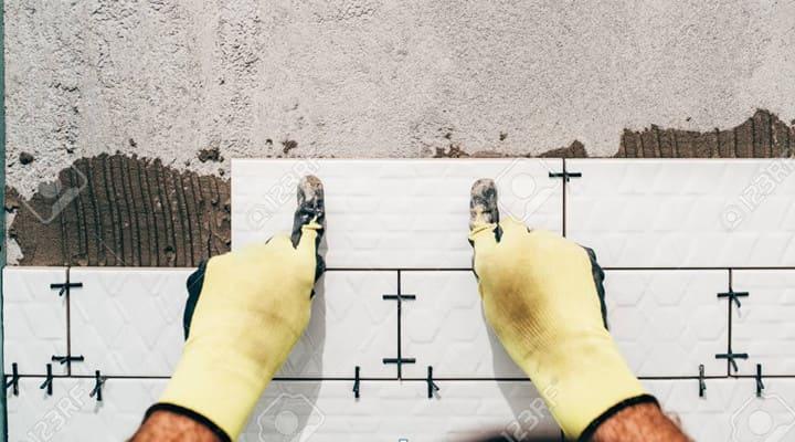 Keo dán gạch ốp tường nhà vệ sinh