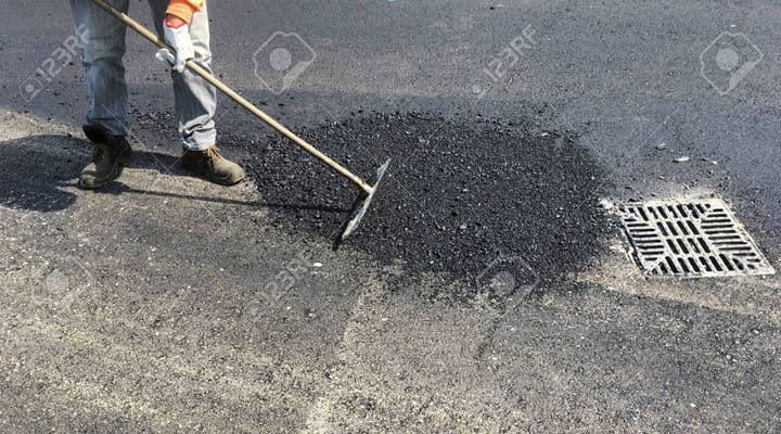 Sửa chữa mặt đường bằng bê tông nhựa nguội