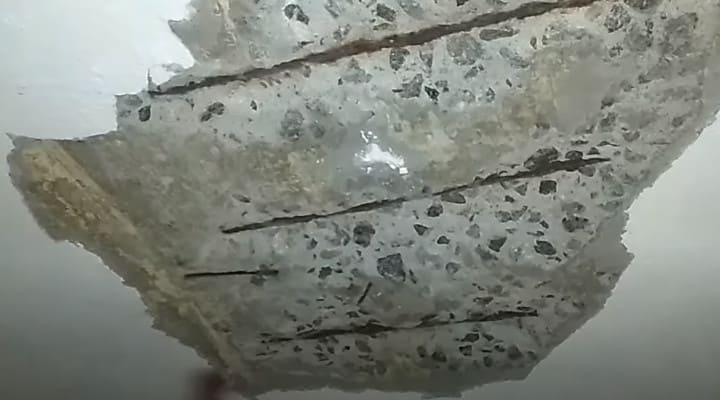 Sàn bê tông bị thấm nước